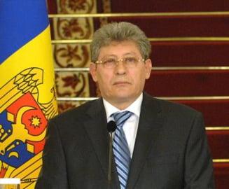Ghimpu nu se duce la Moscova, militarii moldoveni vor fi insotiti de ambasador