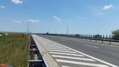 Ghinion dupa ghinion pentru autostrada surpata: Reparatiile, amanate din cauza ploii