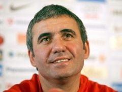 Gica Hagi va superviza antrenamentul de marti al nationalei Romaniei