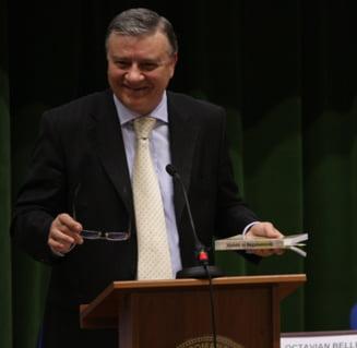 Gica Popescu: Mircea Sandu ar fi util fotbalului romanesc, dar de afara