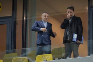 "Gigi Becali a ajuns la Steaua - Dinamo si a dat un pronostic: ""El va da gol, a venit randul lui!"" Ce spune de sigla echipei"