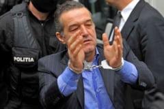 """Gigi Becali a fost eliberat. """"La puscarie, eu eram sef de camera, sef de sectie, sef de toate. Eu am condus cu dragoste"""""""