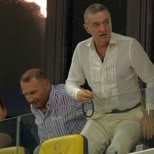 Gigi Becali ii inchide gura lui MM, dar da intr-un fost fotbalist al Stelei * Detalii despre posibila venirea a lui Sanmartean