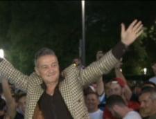 Gigi Becali planuieste un miting cu jumatate de milion de oameni in strada: Ca la Revolutie!