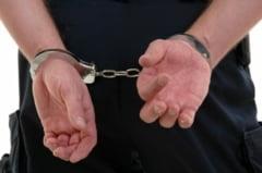 Giurgiu - Barbat retinut in urma perchezitiilor efectuate la domiciliile unor persoane suspectate de inselaciune si evaziune
