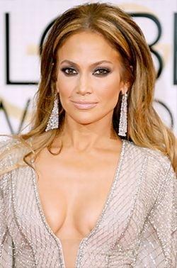 Glume despre decolteul lui Jennifer Lopez, la Globurile de Aur (Video)