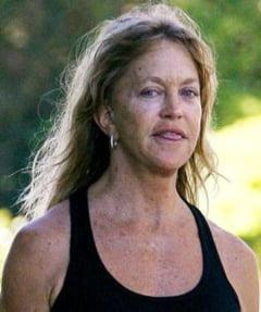 Goldie Hawn a pierdut pariul cu tineretea (Galerie Foto)