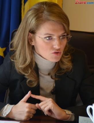 Gorghiu: I-am cerut demisia lui Vosganian. Daca nu, voi propune excluderea sa (Video)