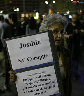 Gratierea coruptilor a scos iar romanii in strada: Nu vrem sa fim o natie de hoti!