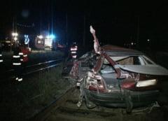 Grav accident in Cluj: o masina a fost lovita in plin de un tren