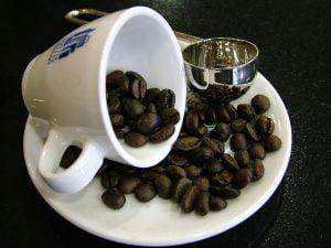 Gravidele care beau cafea au copii mici