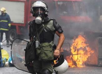 Grecia: Razboi total in strada, Parlamentul a adoptat planul de austeritate