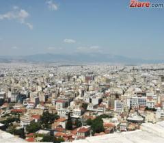 """Grecia da 1,4 miliarde de euro cetatenilor afectati de austeritate. Cine se califica pentru """"ajutoare"""""""