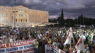 Grecia paralizata de greve, dupa noi masuri de austeritate (Video)