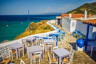 Grecia redeschide terasele, cafenelele si restaurantele, dupa o pauza de sase luni