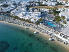 "Grecia relaxeaza radical conditiile pentru turisti incepand din 5 iulie. Copiii sub 12 ani ""calatoresc liber"""