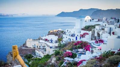 Grecia suspenda pentru 3 zile emiterea formularelor de calatorie. Turistii nu mai pot intra cu masina daca nu au obtinut deja documentul