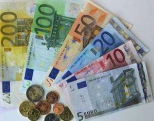 Grecia va trebui sa paraseasca zona euro, sustine un economist american