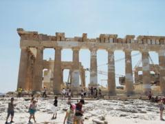 Grecia vrea sa poata primi cat mai repede turisti. Are propuneri pentru ridicarea interdictiilor de calatorie din UE