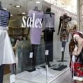 Grecii cumpara in disperare bijuterii, televizoare si masini