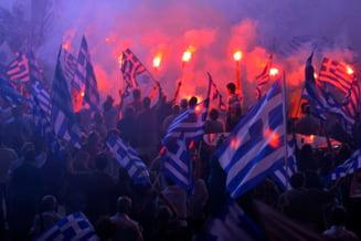 Grecii se pregatesc pentru noi reduceri salariale - WSJ