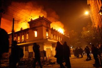 Grecii vor suferi masuri de austeritate inca cinci ani