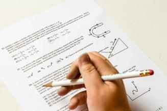 Greseli la corectarea tezelor la Bacalaureat 2020. Un 6,40 la Matematica s-a transformat dupa contestatie in 9,50