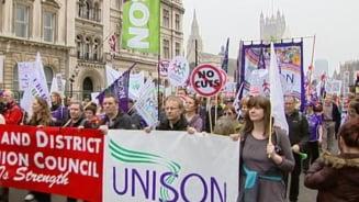 Greva generala in Marea Britanie - doua milioane de bugetari, in strada