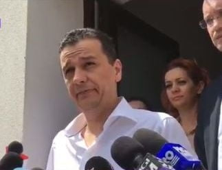 Grindeanu ii cere lui Dragnea sa fie barbat si anunta noi revocari daca ministrii demisionari nu vin la munca