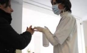 Gripa porcina face a treia victima: O femeie din Ploiesti a murit