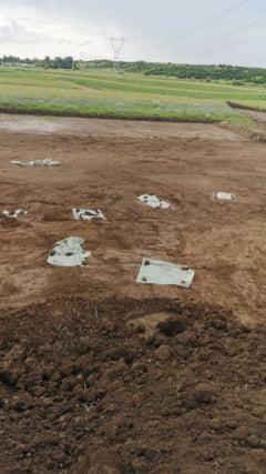 Gropi cu oseminte, descoperite pe santierul drumului expres Craiova - Pitesti. Arheologii efectueaza lucrari la fata locului