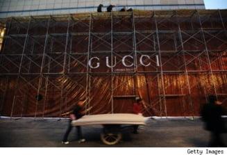 Gucci a inlocuit manageri din China, acuzati ca si-au exploatat angajatii