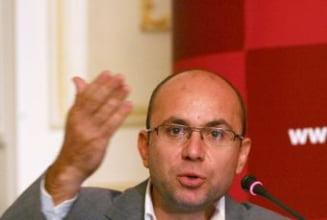 Gusa: Basescu, gata s-o sacrifice pe Udrea! Cu cine ar inlocui-o