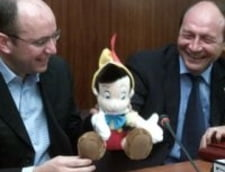 Gusa: N-am dormit cu Basescu pentru ca da din picioare