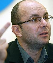 Gusa: Sorin Oprescu s-ar putea retrage inainte de primul tur