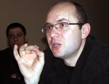 Gusa il executa silit pe Vadim Tudor