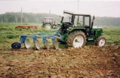 Guvern: Agricultorii vor primi anul acesta cu 87,5 milioane lei mai mult pentru subventionarea accizei la motorina