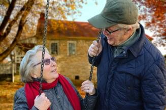 Guvern: Femeile se pot pensiona, la cerere, la 65 de ani. Angajatorul nu are voie sa refuze