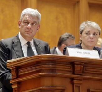 Guvern: Proiectul care stabileste ca si condamnatii penal pot ocupa functii in Executiv a fost elaborat de Cabinetul Ciolos