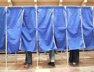 Guvernul, mandatat sa inceapa angajarea raspunderii pentru alegeri si judecatori