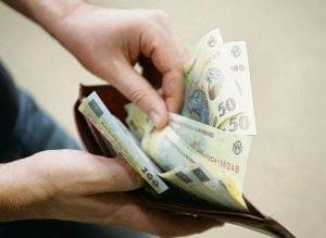 Guvernul AMANA cresterea pensiilor si salariilor, taie sporuri si nu mai da vouchere de vacanta. Alte masuri de austeritate