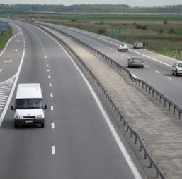 Guvernul Boc vrea peste 1.500 de kilometri de autostrada