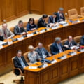 Guvernul Orban II a picat la CCR: Parlamentul n-a avut cvorum de sedinta, Orban vrea si reinvestire, si anticipate. Mingea e la Iohannis