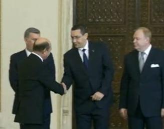 "Guvernul Ponta 4 a depus juramantul. Ce ministri ar fi vrut Basescu sa refuze: ""Au contribuit la un fals in interes public"""