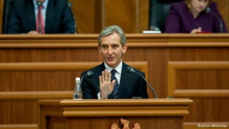 Guvernul R. Moldova ramane in picioare - motiunea comunistilor, respinsa