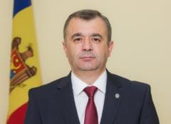 Guvernul Republicii Moldova, in frunte cu premierul Ion Chicu, demisioneaza. Parlamentul urma sa examineze o motiune de cenzura