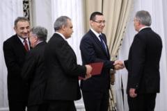 """Guvernul USL, guvern """"de premier"""", nu de ministri. Marea nerealizare: fondurile europene Interviu"""
