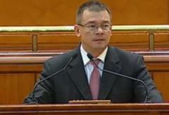 Guvernul Ungureanu a trecut de Parlament: USL contesta la CCR