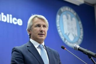 Guvernul a adoptat ordonanta care impune taxe companiilor si bancilor, plafoneaza pretul la gaze si curent si modifica Pilonul II