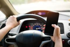 """Guvernul a modificat prevederile Codului Rutier pentru a preveni """"live-ul la volan"""""""